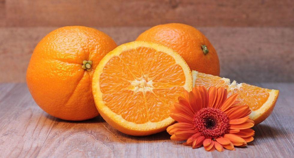 Hidratación. Mantener la piel hidratada brinda beneficios estéticos y mejora su elasticidad. Las frutas como: sandia, naranja, melón, mandarina, etc, aportan buena cantidad de agua, vitaminas y antioxidantes. (Foto: Pixabay)