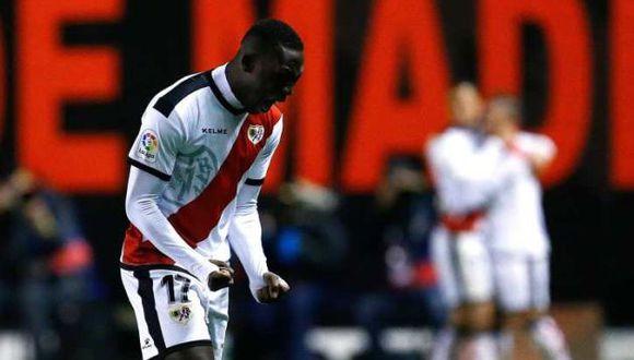El futuro de Luis Advíncula sigue relacionado al fútbol español. (Foto: EFE)