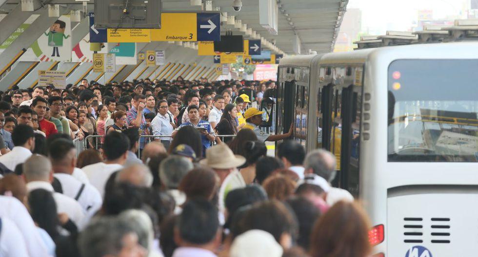 En la estación Naranjal se registra gran aglomeración de pasajeros en determinadas horas. (GEC)