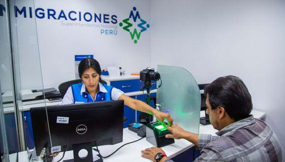 Migraciones remarcó que el Pasaporte Electrónico puede ser obtenido en el terminal aéreo pagando, previamente, el derecho de S/98.5 y presentando el Documento Nacional de Identidad (DNI).