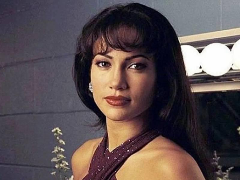 """Jennifer López en la película """"Selena"""""""