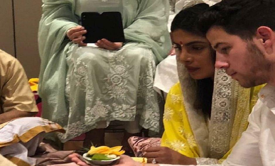 Nick Jonas y Priyanka Chopra oficializan su compromiso con ceremonia hindú (Foto: Instagram)