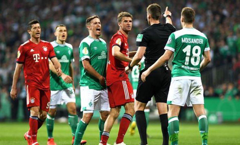 Bayern Munich se impuso 3-2 a Werder Bremen y clasificó a la final de la Copa de Alemania, tras un polémico penal transformado en gol por Robert Lewandowski. (Foto: EFE)