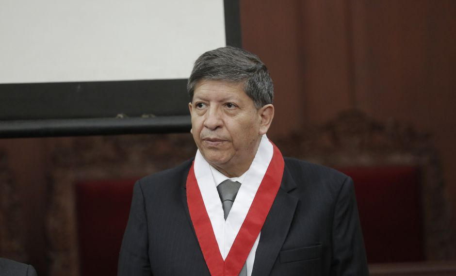 """El magistrado del TC Carlos Ramos Núñez explicó que se han puesto """"candados"""" en la sentencia sobre la disolución del Congreso. (Foto: GEC)"""