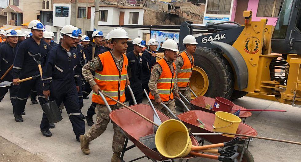 El general César Astudillo, jefe del Comando Conjunto de las Fuerzas Armadas, informó que los trabajos de demolición de dos inmuebles finalizará hoy. (Foto: Ejército del Perú)