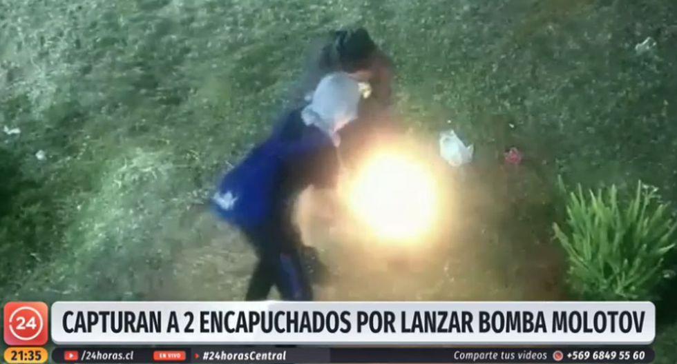 Hasta el momento, se ha informado que 27 buses han sido incendiados durante las protestas en el país y se han presentado 21 querellas por incendios en el Metro de Santiago, aseguró el Ministerio del Interior. (Foto: Captura de video)