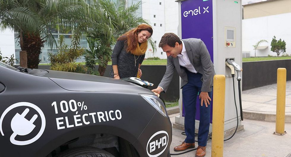 La empresa Enel X implementó dos electrolineras en San Miguel y el Callao para abastecer de energía a los vehículos eléctricos, que fueron fabricados por la firma china BYD. (Foto: GEC)