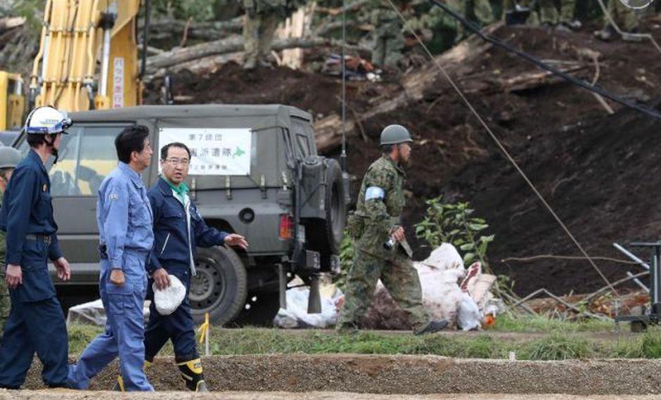 El primer ministro de Japón, Shinzo Abe, visitó Sapporo, donde el terremoto de magnitud 6,6 provocó derrumbes de casas.