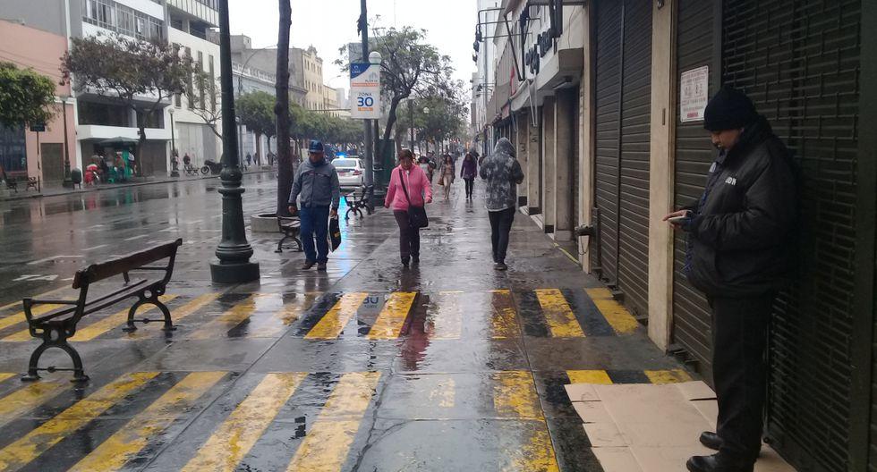 Las calles y avenidas amanecieron mojadas. (Foto: GEC)