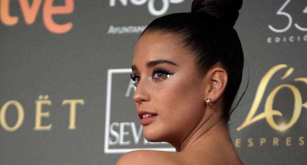 María Pedraza luce un look sensual y osado- pero sin dejar de ser sofisticado- que le asentó de maravilla. (Foto: Netflix).