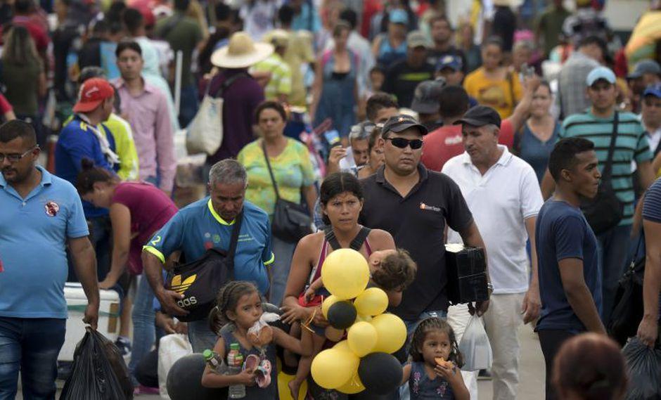 El puente Simón Bolívar, testigo de la vida de venezolanos y colombianos | FOTOS