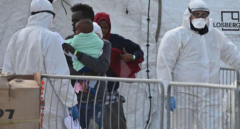 """La organización humanitaria informó de que se tomó la temperatura a todos y que """"no se ha encontrado ninguna anomalía"""". (EFE)."""