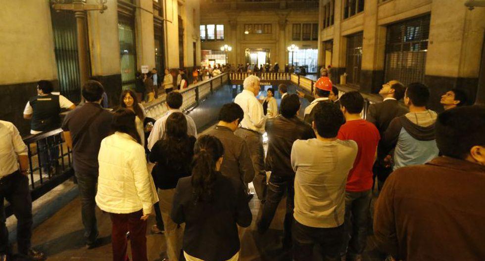 Los participantes deben ubicarse en sitios seguros durante el simulacro. (Foto: El Comercio / Referencial)