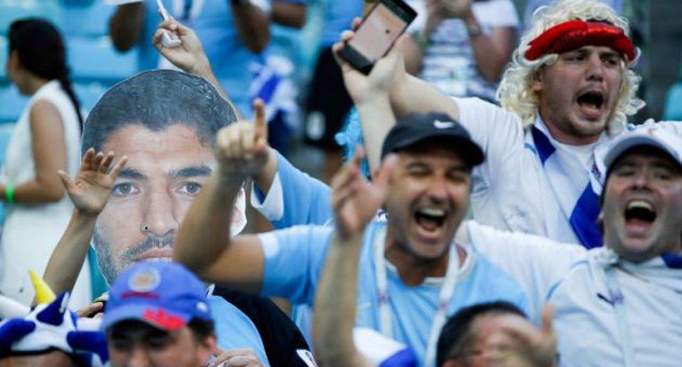 Uruguay venció a Uruguay con doblete de Cavani. (AFP)