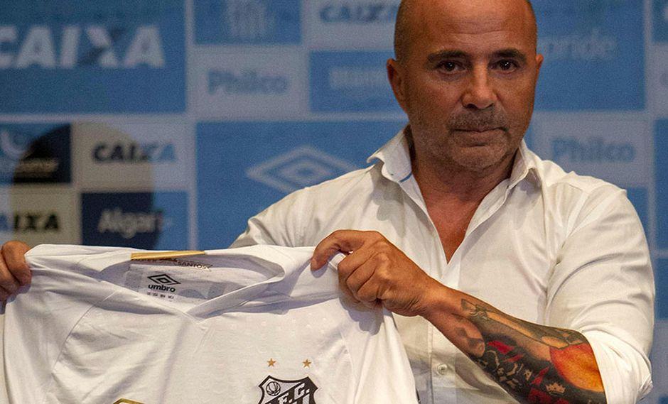 Jorge Sampaoli marcó su debut con el Santos en un amistoso contra Corinthians. (Foto: AFP)