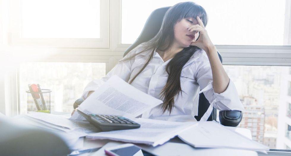 Un empleo con gran carga de estrés, se torna más resistente cuando existe un ambiente de cordialidad y colaboración laboral. (Foto: Difusión)