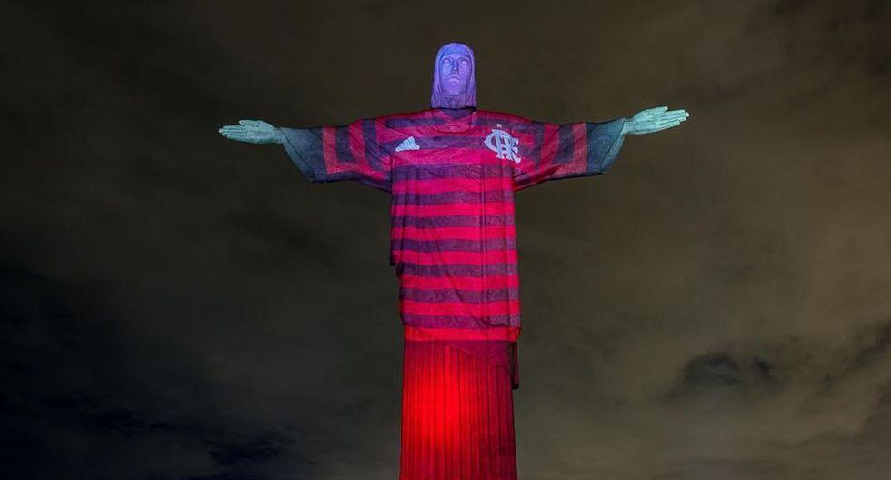 El Cristo Redentor se viste con camisa del Flamengo antes de la final. (Twitter)