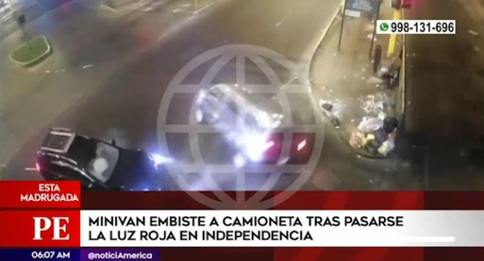 El accidente ocurrió esta madrugada en el cruce de las avenidas Túpac Amaru con 18 de Enero, en Independencia. (Captura: América Noticias)
