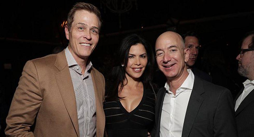 Patrick Whitesell, Lauren Sanchez y Jeff Bezos en 2016. (Foto: Getty Images)