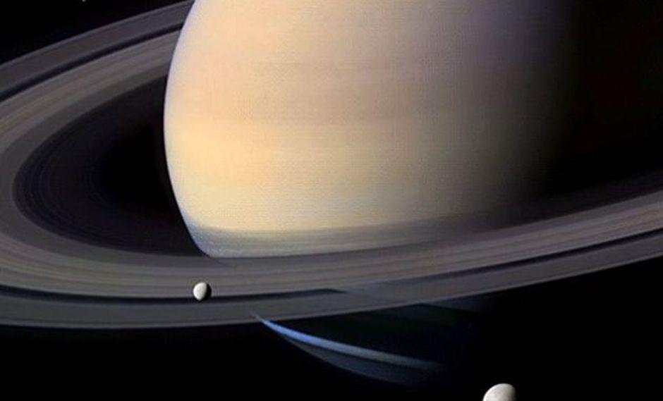 (Foto: In Saturn rings)