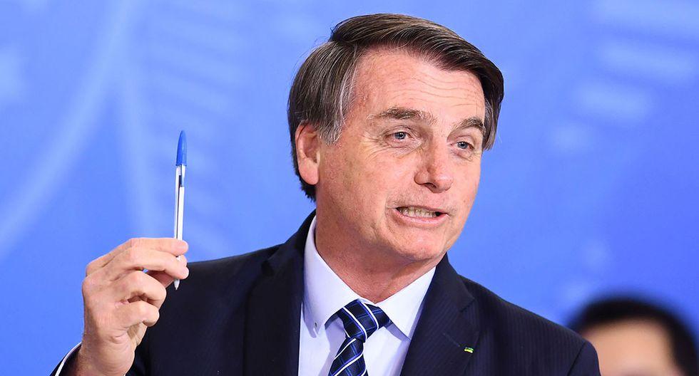 Jair Bolsonaro asegura que ahora utilizará lapiceros Compactor. (Foto: AFP)