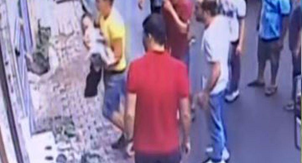 Según los medios internacionales, el joven de Argelia habría recibido una recompensa de 30 euros. (Foto: Captura)