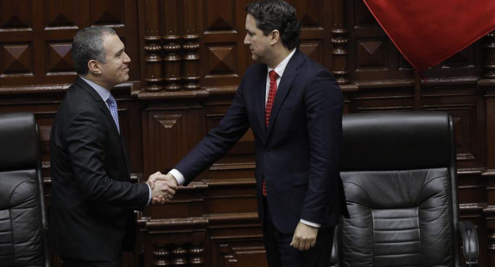 El presidente del Congreso, Daniel Salaverry, también le dio la bienvenida al titular de la PCM. (Foto: Anthony Niño de Guzmán / GEC)