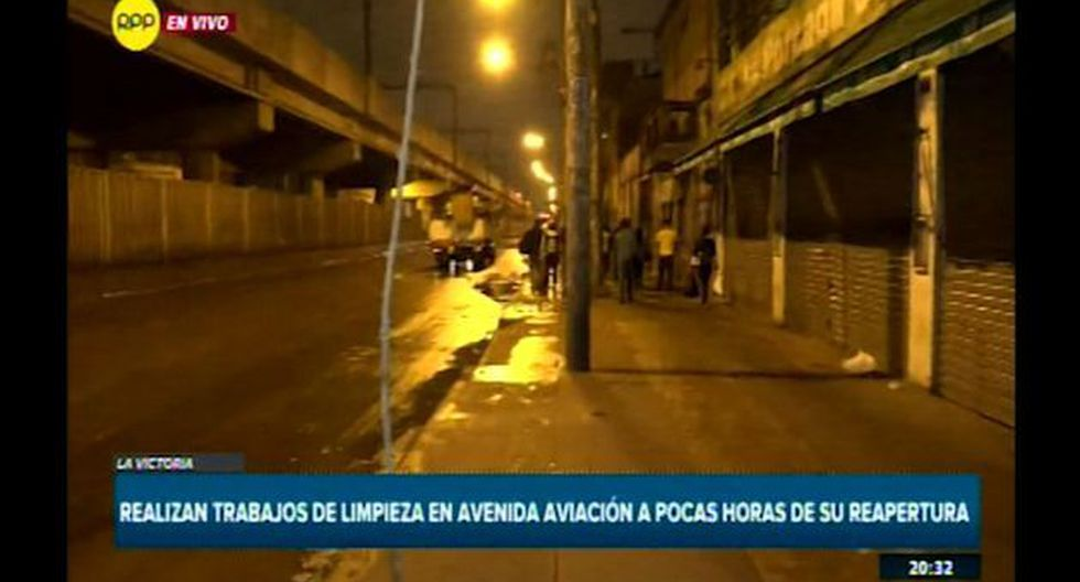 Personal de las municipalidades de Lima y La Victoria realizan los últimos trabajos de limpieza(Foto: Captura RPP)