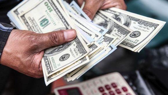 Moneda estadounidense se sitúa en S/ 3.297 en mercado local. (Foto: Andina)