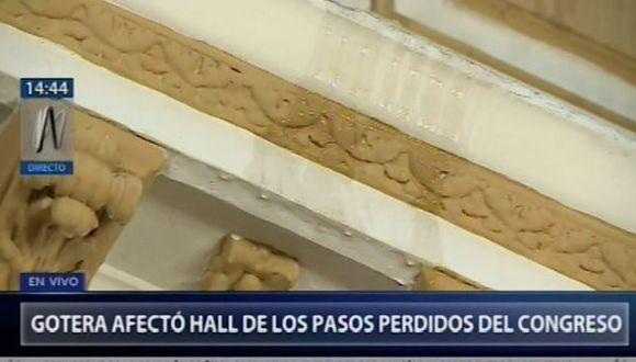 En las imágenes emitidas por Canal N se observa la parte del techo afectada del hall debido a la llovizna. (Foto: Captura Canal N)
