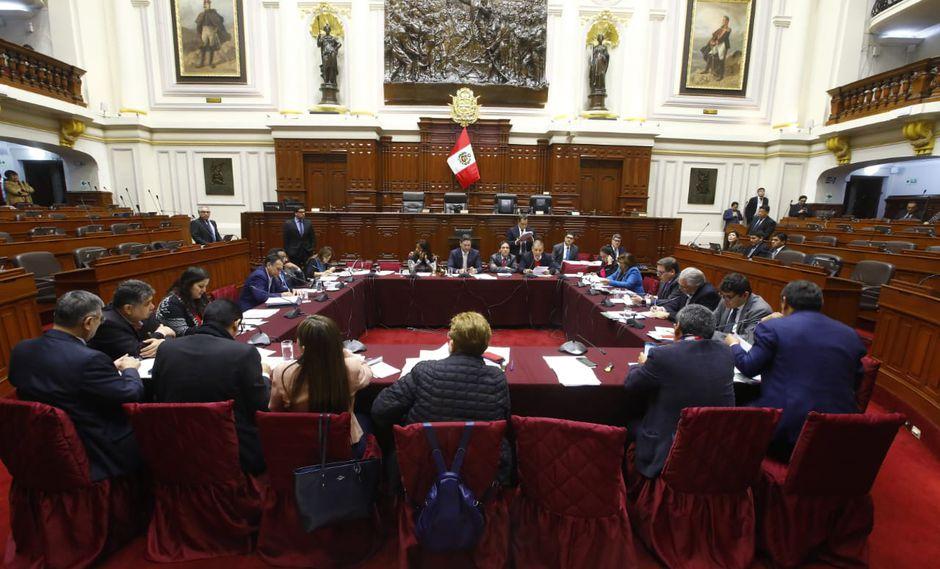 Fuerza Popular defiende a Keiko Fujimori en sesión de la Comisión Permanente