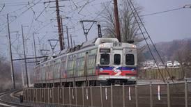Mujer fue violada en tren frente a otros pasajeros y nadie salió en su defensa