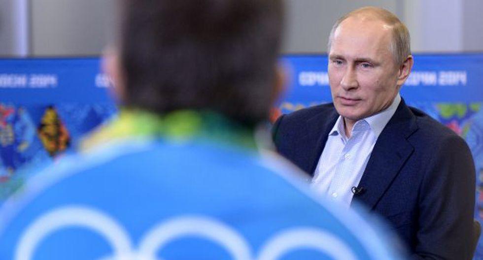 Presidente ruso trata de mostrar un rostro más amable a tres semanas del inicio de los Juegos de Sochi. (Foto: AFP)