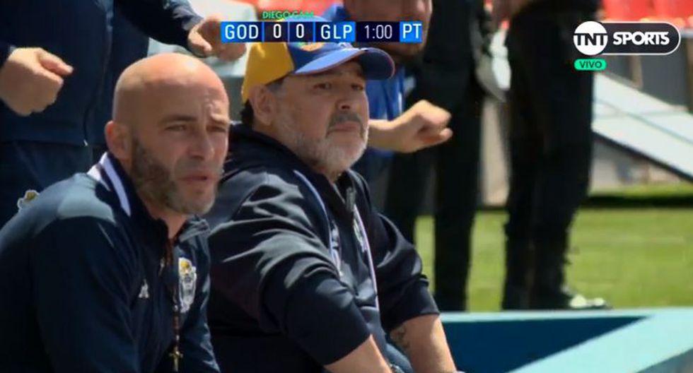El festejo de Diego Maradona tras el golazo de Contín ante Godoy Cruz. (Captura: TNT Sports)