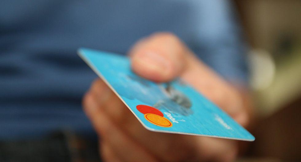 2.  Revise los movimientos de su tarjeta: recuerde que además de los estados de cuenta que recibe mensualmente, puede monitorear con frecuencia las compras y pagos hechos a través de la web de su banco o app disponible. (Foto: Pixabay)