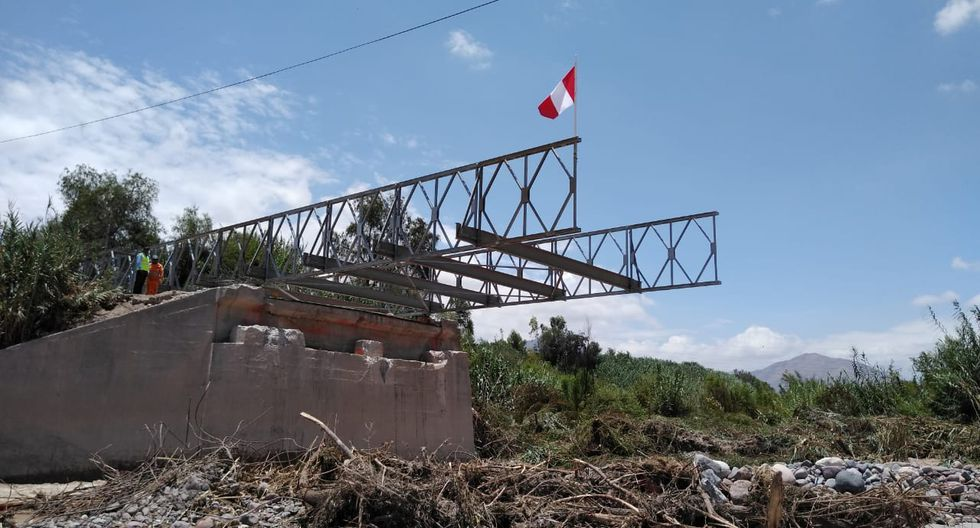 MTC, a través de su unidad ejecutora Provías Nacional, comenzó el lanzamiento de la estructura modular del puente Montalvo que colapsó el pasado 8 de febrero. (Fotos: Difusión)