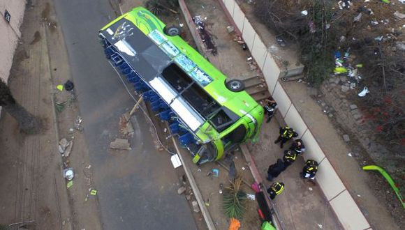 La Municipalidad de Lima zafó el cuerpo minutos después de la tragedia en el cerro San Cristóbal.