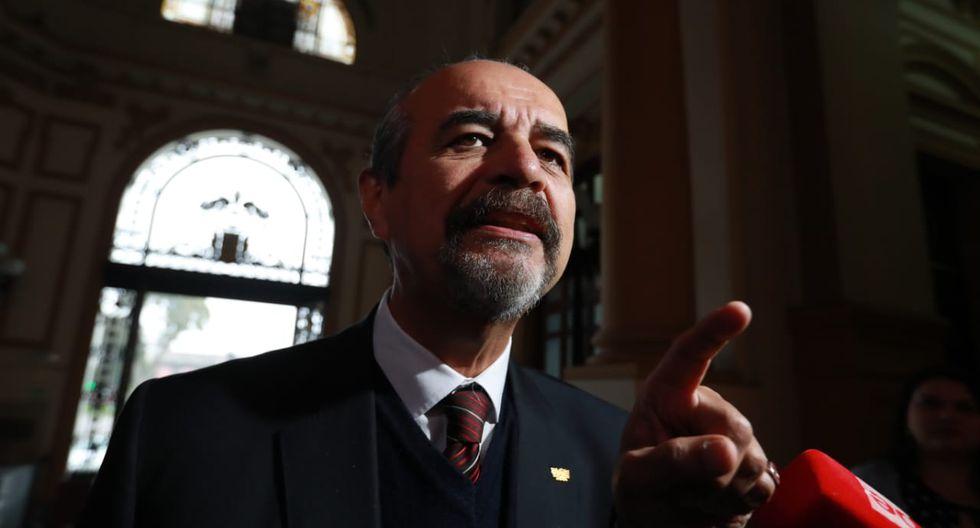 Mauricio Mulder reiteró que se llevó a cabo un golpe de Estado pero que el Apra no puede dejar de tener vida política. (Foto: GEC)