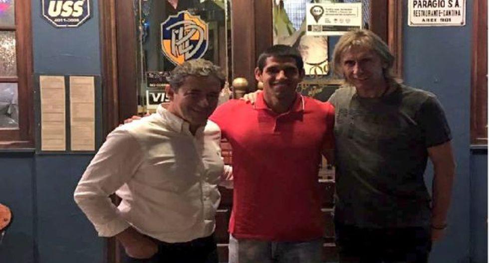 Gareca visita a Abram, quien podría estar en la lista mundialista. Foto: Twitter Selección Peruana
