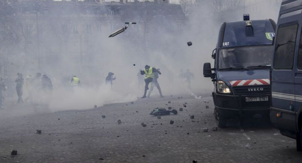 Varias figuras de este movimiento apolítico que se organiza en las redes sociales invitaron a sus simpatizantes a converger en la capital.(Foto: AFP)