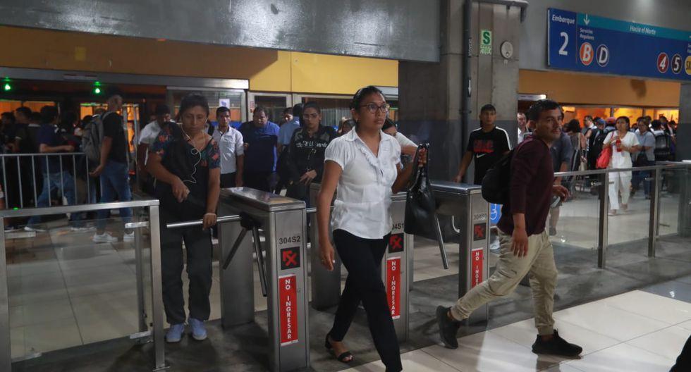 Protransporte indicó que alrededor de 40 mil personas transitan a diario por la Estación Central del Metropolitano, y unas 700 mil personas usan este servicio de transporte. (Foto: Lino Chipana)